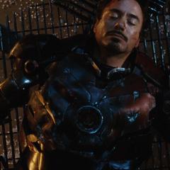 Stark inconsciente tras la batalla.