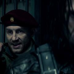 Barnes protege a Karpov.