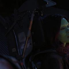Gamora en el Benatar con los Guardianes.