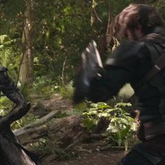 Glaive durante su breve duelo con Rogers.