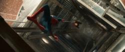Hombre Araña salva a Liz