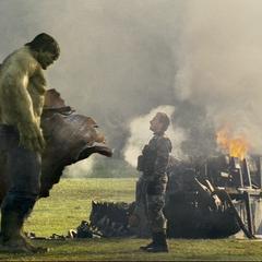 Hulk es confrontado por Blonsky.