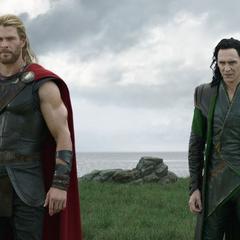 Thor y Loki se niegan a obedecer a Hela.