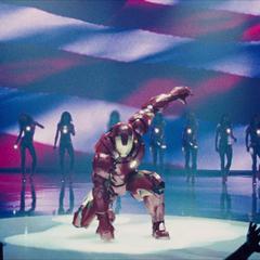 Stark llegando a la Stark Expo en su Mark IV.