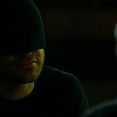 Murdock amenaza a Carl Hoffman.