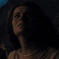 Carrie Lazar como Madre vikinga