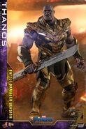 Battle Damaged Thanos Hot Toys 7