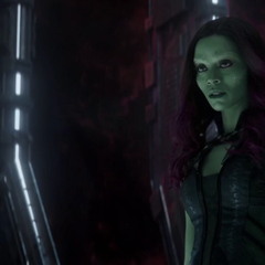 Gamora interroga a Nebula de 2023 sobre la relación que tienen ambas en el futuro.