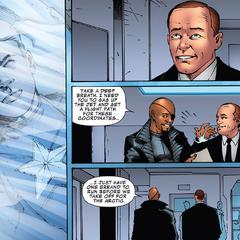 Fury le informa a Coulson que S.H.I.E.L.D. encontró a Rogers.