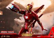 Iron Man IW Hot Toys 16