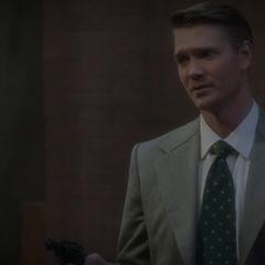 Thompson trata de razonar con Carter.