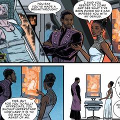 Shuri habla con T'Challa sobre Barnes.