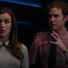 Fitz y Simmons explican su hipótesis.
