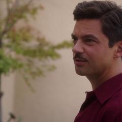 Stark dispuesto a dejar que Jarvis trabaje con Carter.