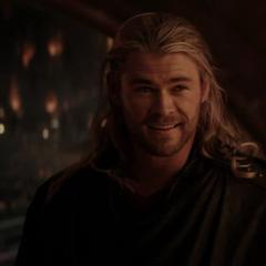 Thor se reúne con Heimdall para preguntarle por Foster.
