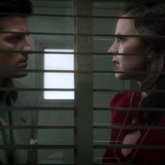 Carter y Sousa deducen que Henry está detrás del crimen.