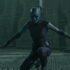 Nebula desafía a Gamora a un duelo a muerte.