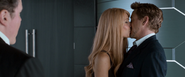 Pepper & Tony Kiss (Homecoming)