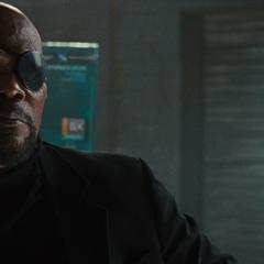 Fury está de acuerdo con la petición de Stark.