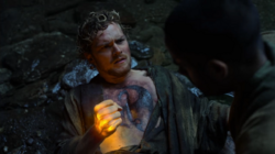 Rand usa el Iron Fist por primera vez