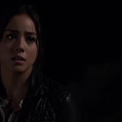 Skye quiere convencer a Peterson de quedarse con S.H.I.E.L.D.