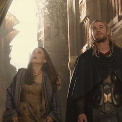 Thor explora Asgard con Foster.