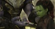 Thanos gives Gamora Knife IW