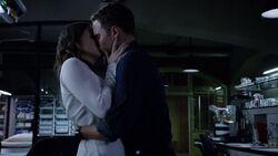 MHOT FitzSimmons Kiss