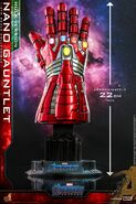 Nano Gauntlet Hot Toys 11