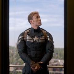 Rogers en el ascensor del Triskelion.