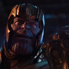 Thanos llega a la <i>Statesman</i> con la Gema del Poder.