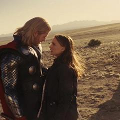 Foster y Thor se despiden.