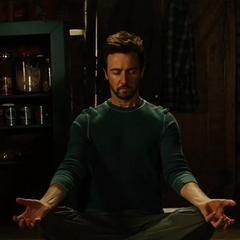 Banner medita para aprender a contener a Hulk.