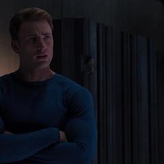 Rogers habla con Stark sobre Coulson.