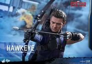 Hawkeye Civil War Hot Toys 5