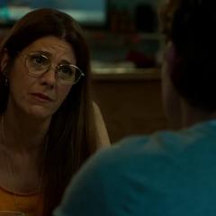 Maybelle trata de tener una conversación con Peter.