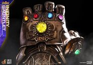 Infinity Gauntlet Hot Toys 4