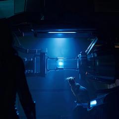 Danvers encuentra el Teseracto en el laboratorio de Mar-Vell.
