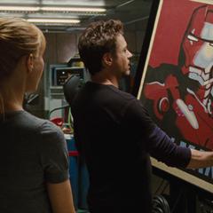 Potts regaña a Stark por ser egocéntrico.