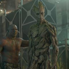 Groot y Drax crean un plan con Rocket para rescatar a sus amigos