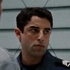 Karim Saleh como Guardia