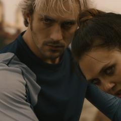 Wanda y Pietro deciden manipular a Banner.