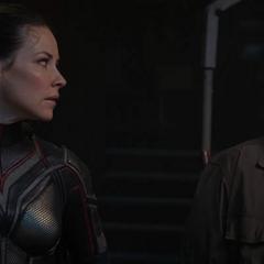 Pym se niega a ayudar a Foster.