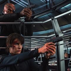 Fury y Hill defienden la sala de mando.