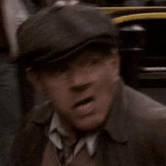 Colin Stinton como Conductor de un taxi