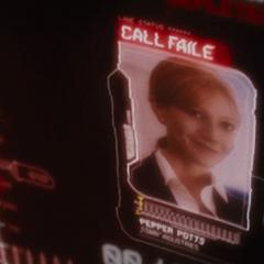 La llamada de Potts fallando en el traje de Stark.