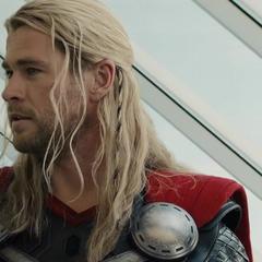 Thor habla sobre Visión y las Gemas del Infinito.