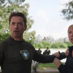 Potts y Stark conocen a Strange.