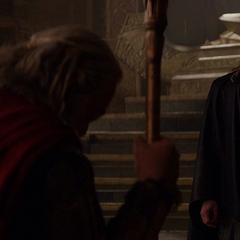 Thor y Odín discuten las acciones a tomar.