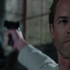 Killian asesina a Hansen en frente de Stark.